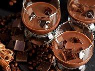 Приготвяне на рецепта Домашен шоколадов ликьор за коктейли (с водка)